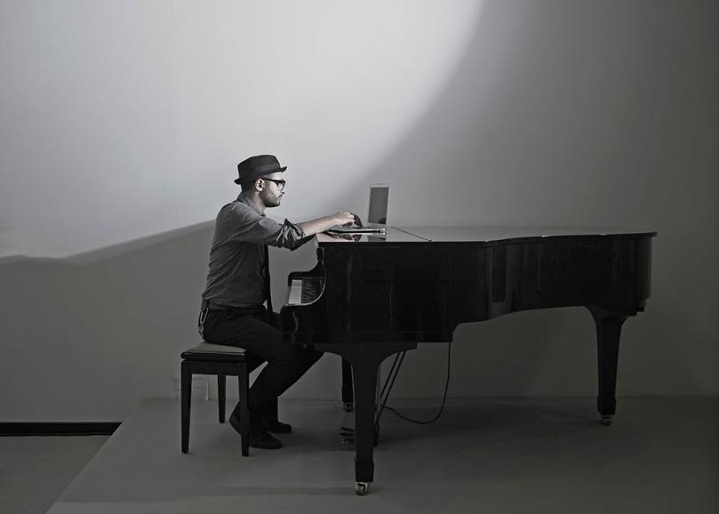 Oliver Blank - Piano (Copyright Xoan Piñon, 2012) Edited