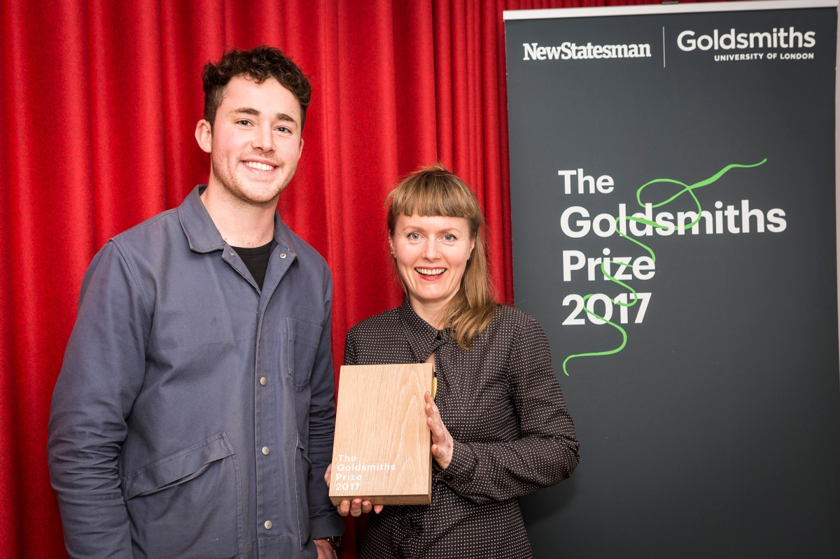 Dewi Uridge with Goldsmiths Prize winner Nicola Barker and the trophy